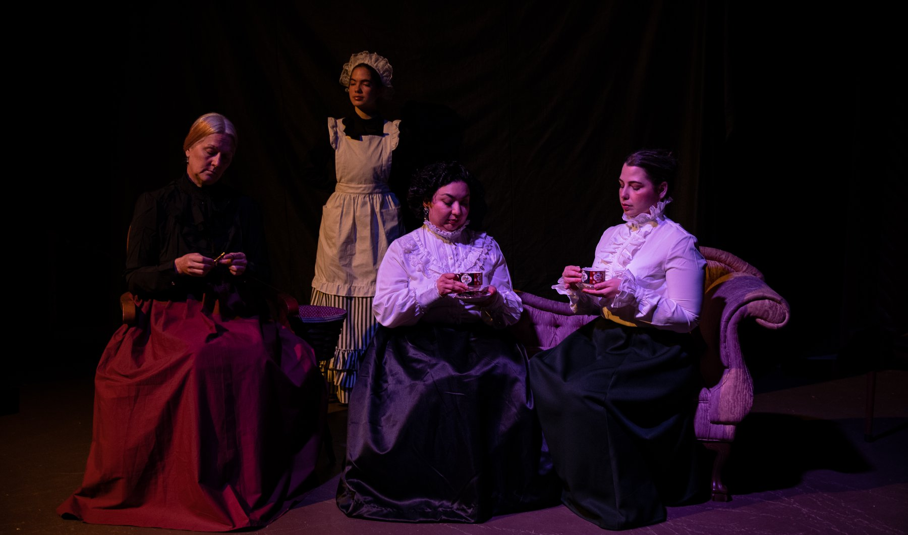 uploads/production_images/the-moors-gaslight-baker-ursula-rogers-2019/moors_gbt_04_four.jpg